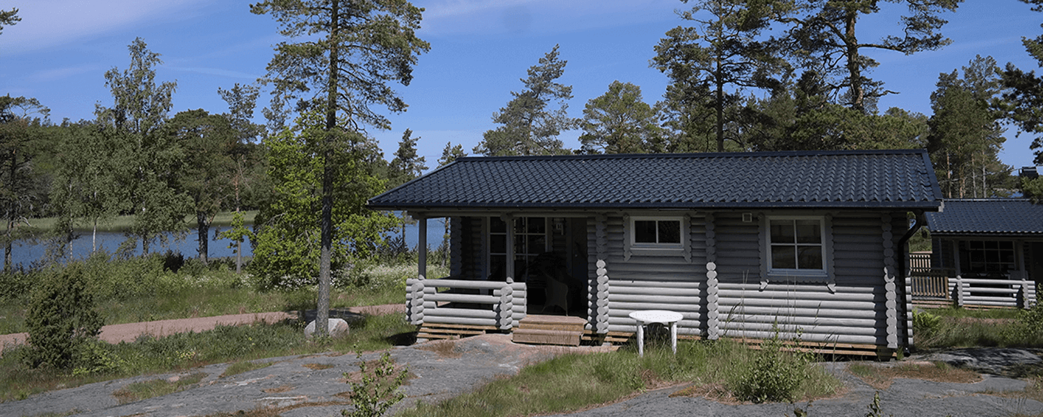 Bastö Hotel Regular Cabin – Outside View